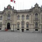 Perureise mit berghorizonte