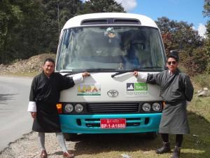 berghorizonte Kleinbus unterwegs in Bhutan
