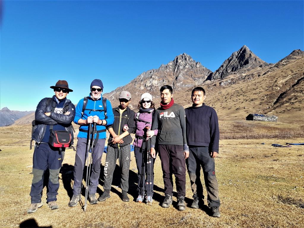 Bhutan Trekkingmannschaft auf dem Soi Yaksa & Tigernest Trek